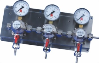 Intermediate pressure regulator station MM 3-fold, with stainless